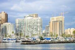 檀香山,夏威夷,美国- 2016年5月30日:游艇靠码头在丙氨酸Wai小船港口 图库摄影