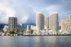 檀香山,夏威夷,美国- 2016年5月30日:游艇靠码头在丙氨酸Wai小船港口 免版税图库摄影