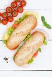 次级三明治整个五谷五谷长方形宝石用乳酪和火腿为 免版税图库摄影