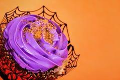 欢乐万圣夜杯形蛋糕 库存照片