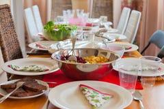 欢乐午餐桌 免版税库存照片