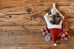 欢乐圣诞节假日桌设置 库存照片