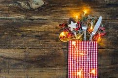 欢乐圣诞节桌餐位餐具 库存照片