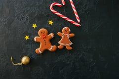 欢乐圣诞节背景,与姜饼的图象的曲奇饼 免版税库存照片
