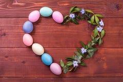 欢乐复活节构成 在视图之上 春天和逾越节的宴餐的概念 库存图片