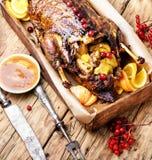 欢乐烤鸭用桔子和蔓越桔 图库摄影