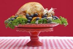 欢乐红色题材感恩圣诞节土耳其盛肉盘 库存图片