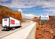 欢迎光临内华达,标志高速公路 库存照片