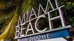 欢迎光临迈阿密海滩! 库存照片