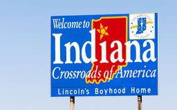 欢迎到印第安纳美国的标志交叉路 免版税图库摄影