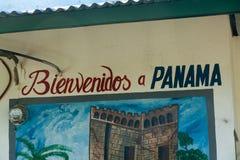 欢迎到在边界的巴拿马标志 库存图片