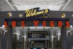 欢迎到拉斯维加斯标志在McCarran机场在拉斯维加斯, NV 库存照片