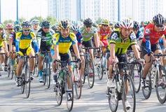 欢迎新年的传统自行车比赛2015年 库存图片