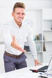 欢迎的商务伙伴某人 免版税库存照片