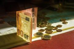 10欧元和硬币 免版税库存照片