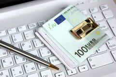 欧元和计算机 免版税库存图片