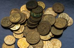 欧元硬币在桌,金钱上 库存照片