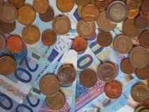欧元& x28; EUR& x29;纸币和硬币、欧盟& x28; EU& x29; 图库摄影