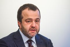 欧内斯特贝尔尼在ABLV银行的新闻招待会在里加 免版税库存图片
