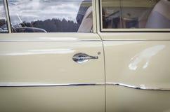 欧宝纪录经验丰富的葡萄酒汽车 免版税库存图片