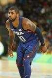 欧文队美国Kyrie在行动的在小组A在里约的队美国和澳大利亚之间的篮球比赛期间2016年 库存照片