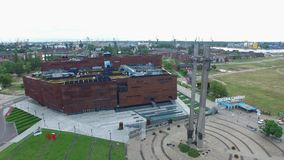 欧洲团结中心在格但斯克,波兰, 07 2016年,空中英尺长度 影视素材