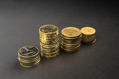 欧洲硬币和分在黑背景 库存照片