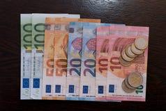 欧洲票据和硬币 免版税库存图片