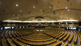 欧洲议会的布鲁塞尔,比利时, 06一个空的大厅 26 2016年 被采取的2009美国自动敞篷车底特律社论国际捷豹汽车密执安模型北部显示使用xk 图库摄影