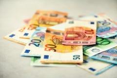 欧洲货币金钱钞票背景 付款和现金概念 五百欧元的宣布的取消 免版税库存照片