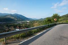 欧洲路风景和自然、天空和山 图库摄影