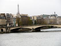 欧洲,在河的桥梁 免版税库存照片