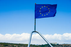 欧盟在船下垂 库存图片