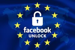 欧盟的旗子与文本的开放对与明锁的标志的Facebook 图库摄影