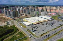 欧洲住宅区在秋明州 俄国 库存图片