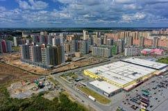 欧洲住宅区在秋明州 俄国 库存照片