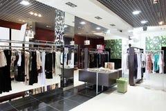 欧洲全新的服装店 免版税图库摄影