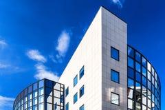 欧洲委员会蓝色现代大厦  免版税库存照片
