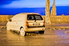 欧洲寒流-冻结的汽车 免版税图库摄影