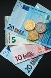 欧洲货币、欧洲钞票和硬币 图库摄影