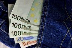 欧洲货币,在口袋的金钱为旅行和购物准备 免版税库存图片