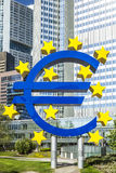欧洲标志在一个晴天,法兰克福,德国 免版税库存图片