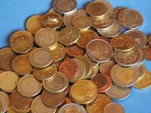 欧洲硬币,在蓝色的欧盟与拷贝空间 库存图片