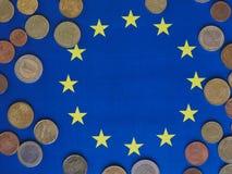 欧洲硬币,欧盟,在旗子 免版税库存照片