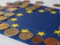 欧洲硬币,欧盟,在旗子 免版税库存图片