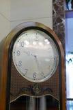 欧洲老书桌时钟 库存照片