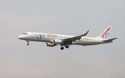 欧洲航空公司巴西航空工业公司ERJ-195 库存图片