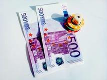 欧洲金钱和赌博娱乐场芯片 免版税库存图片