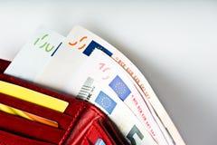 欧洲金钱在钱包里 免版税库存照片