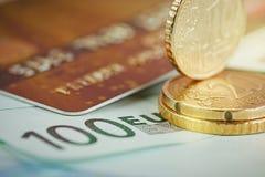 欧洲金钱:钞票和硬币特写镜头  免版税库存图片